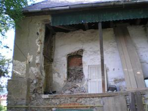 objavene okno... budú z neho dvere do predsiene...