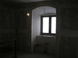kuchynské okno... pod ním bude drez...