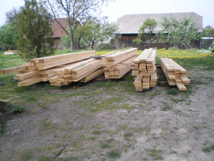 Konečne bývame :D - drevo na terasku
