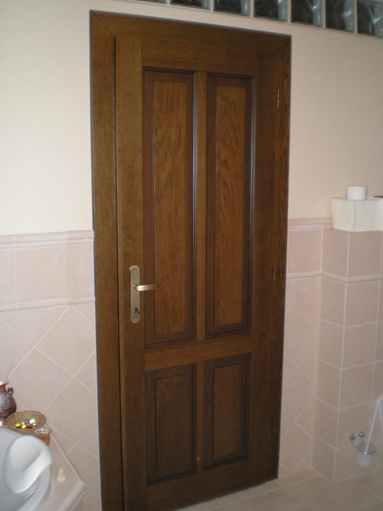 Konečne bývame :D - konecne mame aj dvere... niektore su cele plne...