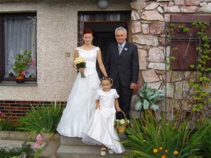 nevěsta s dědečkem a družičkou