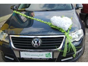 Auto nevěsty takto nebo...