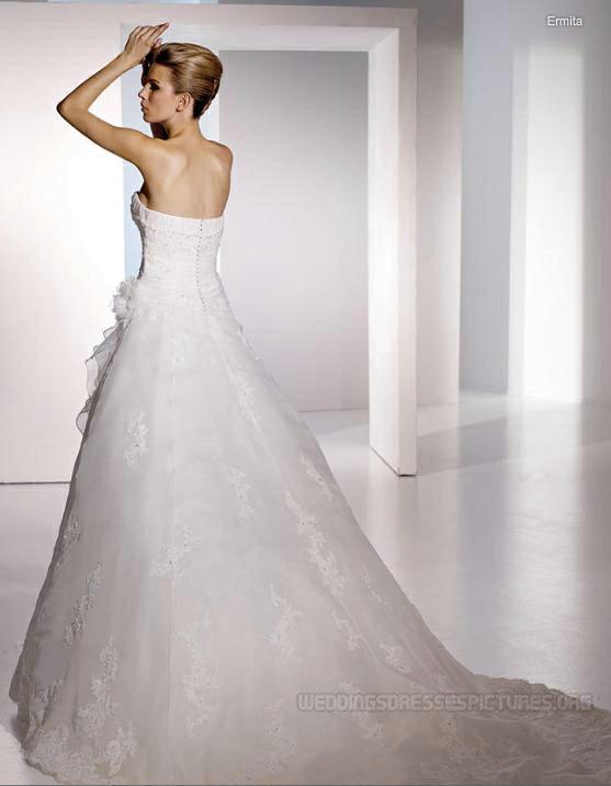 Moje predstavy o svadobnom dni.... - Nádherná vlečka, pekne ukáže aj vypnutá :-))))
