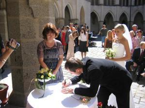 ...a podpisy