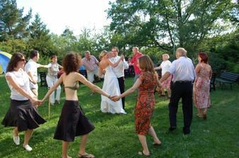tancovalo se na trávě..:)