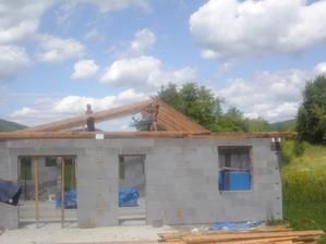 Staviame krov