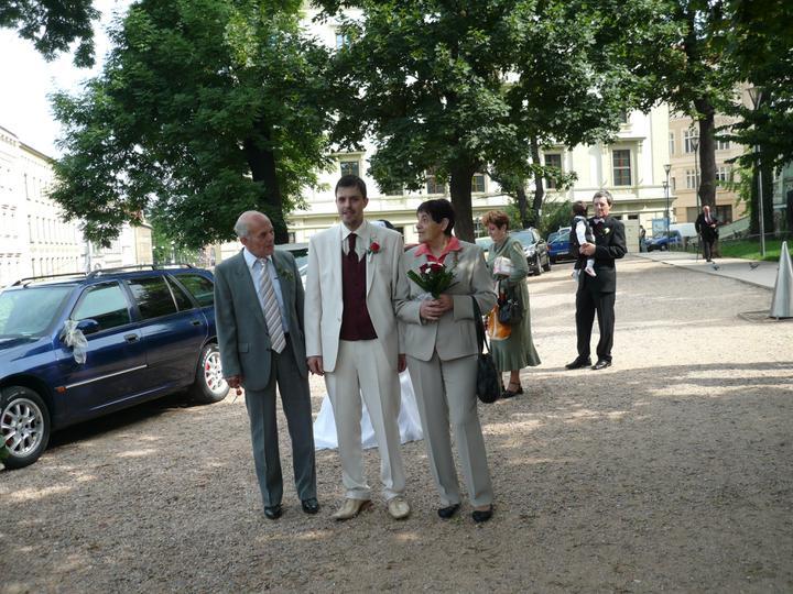 Simona {{_AND_}}Martin - ženich s rodiči