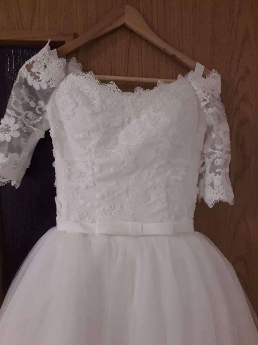 Svadobné šaty s čipkou - Obrázok č. 3