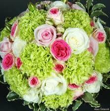 Moje nejoblíbenější kombinace po tulipánech a pivoňkách - růže, eustoma a karafiát