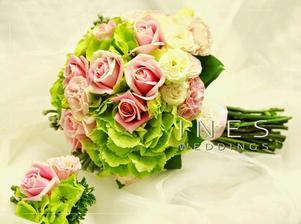 Hortenzie, růže, karafiát