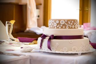 bezchybný svatební dort..