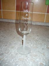 Další svatební skleničky, tentokrát s našimi jmény