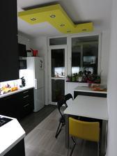 Priblizne realny pohlad ako osvetli kuchynu samotny LED pasik... LED 5060 14,4W/m cca 3,3m celkovo