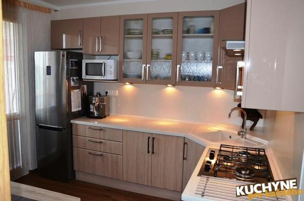 a7b9dd5124bd Ideálne riešenie malej kuchyne v paneláku - - Kuc...