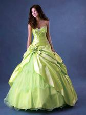 mať tak peniažky nazvyš, tak toto by boli moje popolnočky.... úchvatné šaty