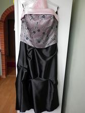 moje popolnočky. pôvodne to boli šaty na promócie, ale som ich nevyužila. a keďže mi ich kúpil Janko, tak bude krásne, keď si ako prvé po našej svadbe oblečiem niečo od neho