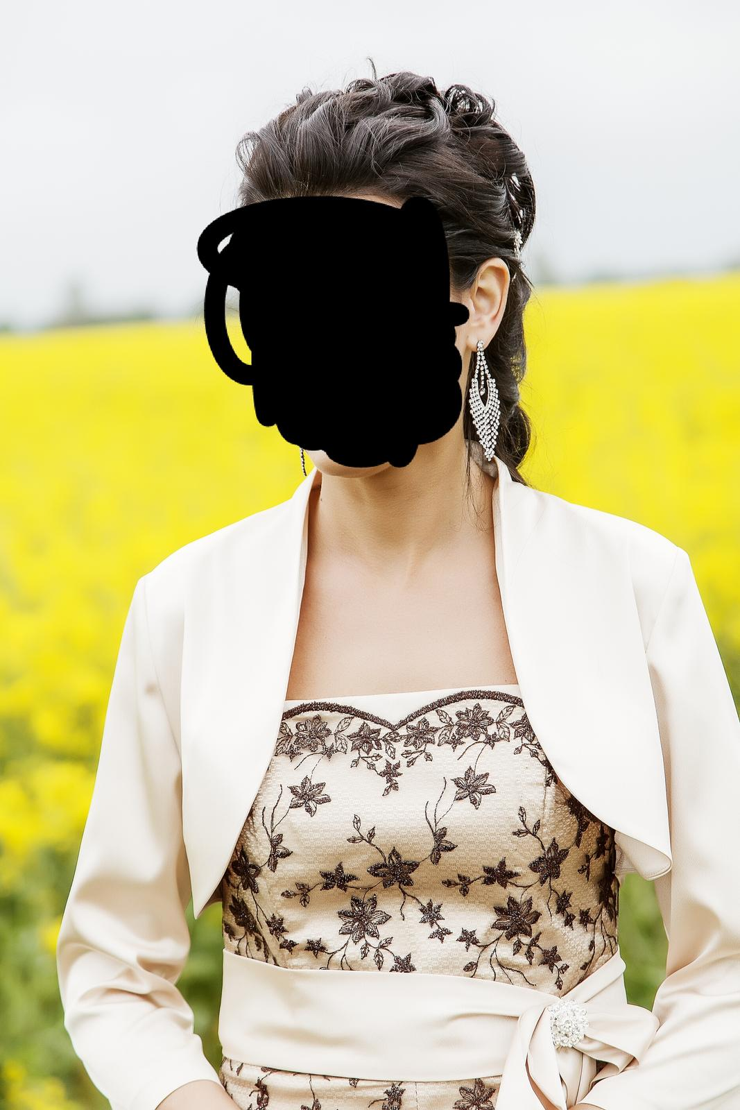 Netradične svadobne šaty - Obrázok č. 2
