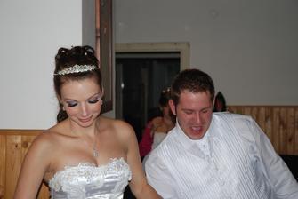 prvý svadobný tanec, celá verzia na http://www.youtube.com/watch?v=lVGvhcwPhoc&feature=plcp
