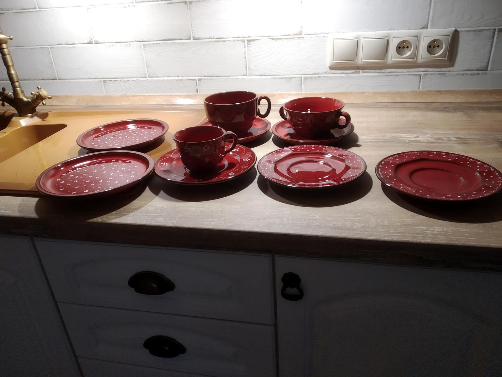 červené taniere - Obrázok č. 1