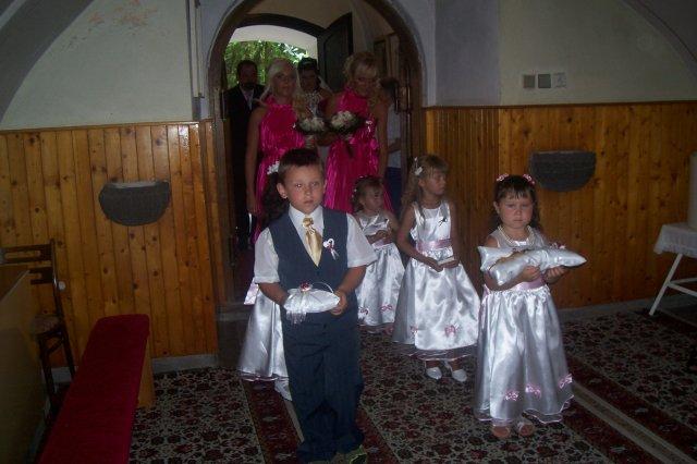 Simona Kovačičová{{_AND_}}Miroslav Vrábel - ...........moja neterka na cele aj s Jakubkom....