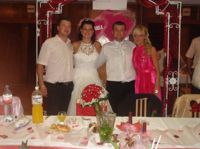Simona Kovačičová{{_AND_}}Miroslav Vrábel - ....super svagor aj s priatelkou Miskou...