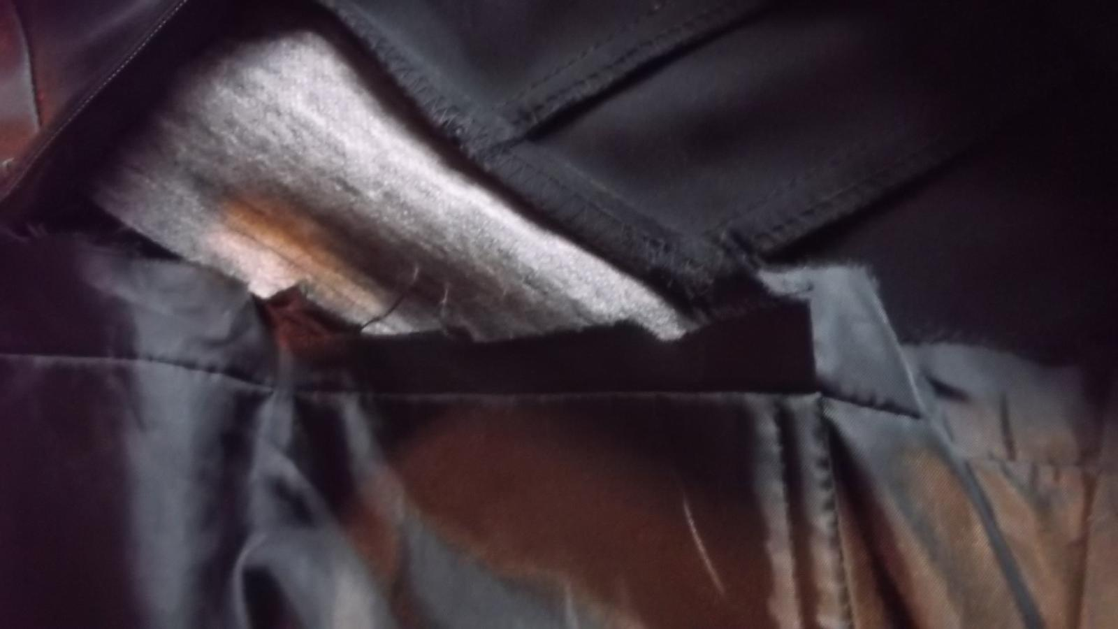čierne koktailové šaty + topanky - Obrázok č. 4