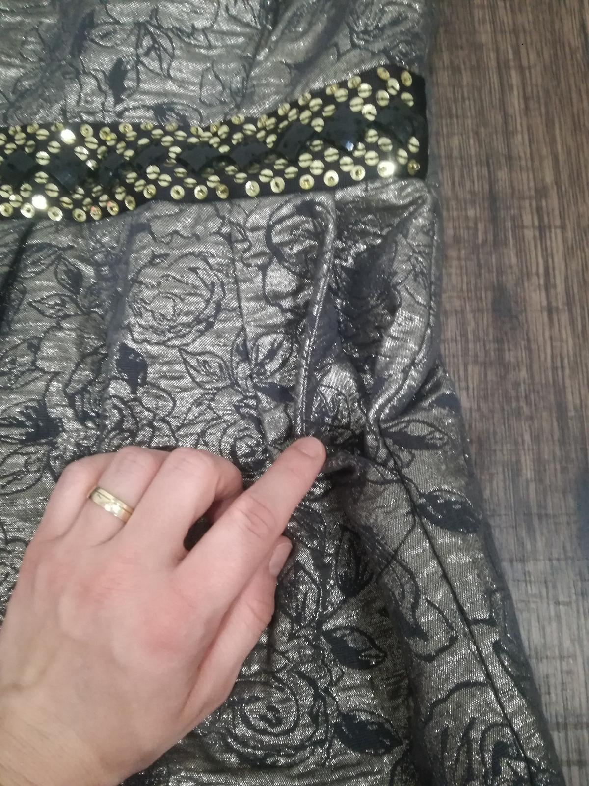 Pekné metalicke šaty - Obrázok č. 3