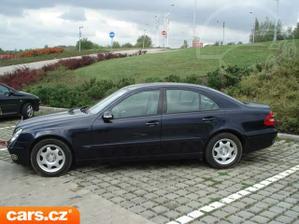 tak tohle bude naše auto...jen v modré metalíze:-)