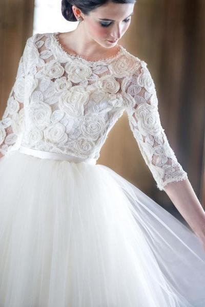 4a706c1b9abd Hľadám takéto svadobné šaty - - Svadobné šaty
