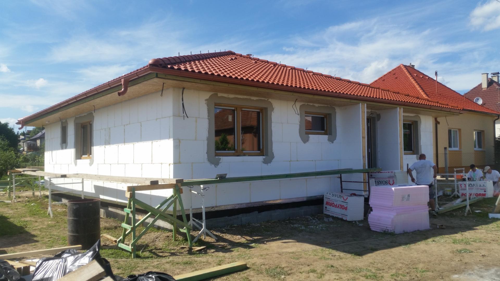 bungaLOVE - strecha terran danubia tehlovočervená