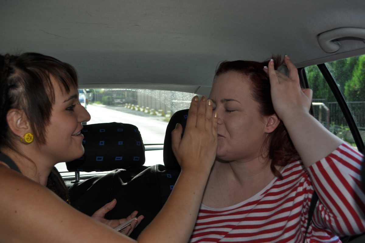 Klára{{_AND_}}Vít - Líčení v autě když jsme jeli od kadeřnice a před námi jela autoškola celou cestu....