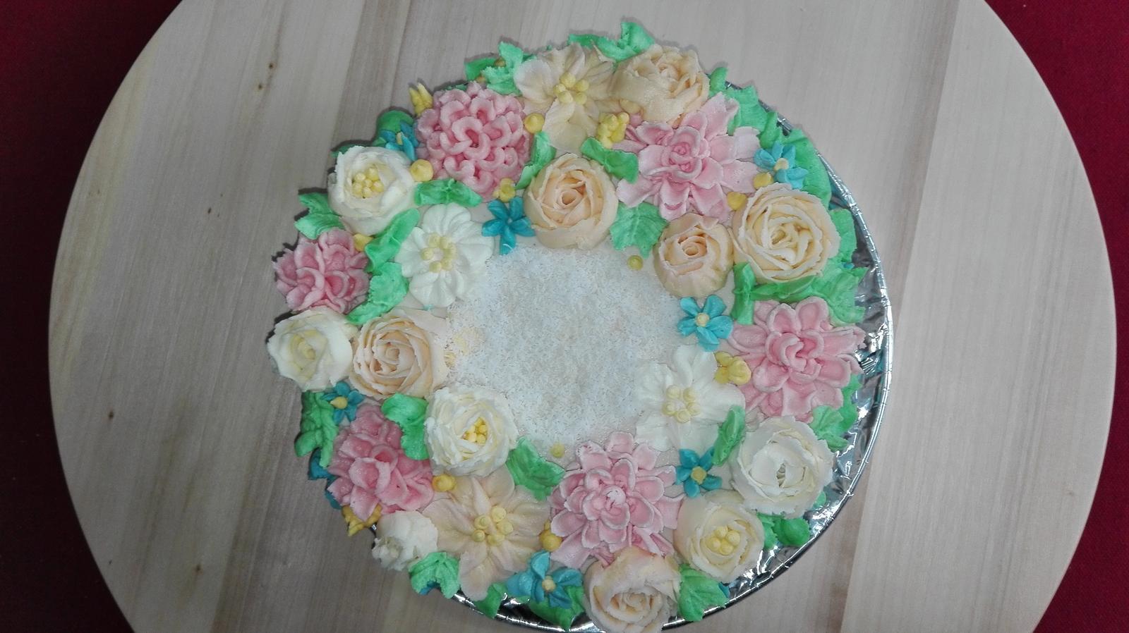 (Ne)tradicne zdobene torty :-) - Obrázok č. 33