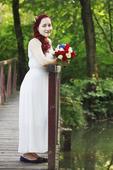 Jednoduché svatební šaty, 40