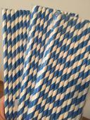 Papírová brčka tmavě modrá v balení 25 ks,