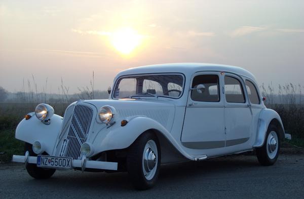 K+J=❤️ - Svadobne auto zarezervovane