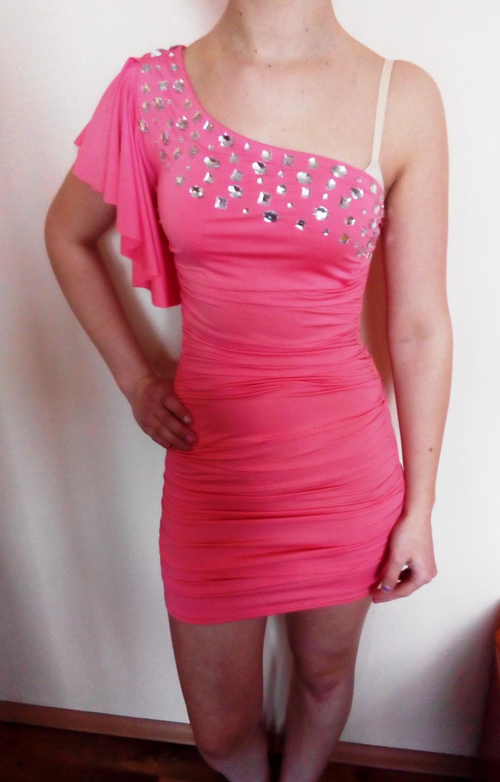 lososové šaty - Obrázok č. 1