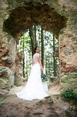 Svatební šaty s krajkovými zády, 38