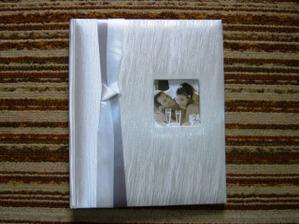 náš kráááásny svadobný album :-)))