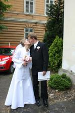 jedna z prvých manželských pusiniek :-)