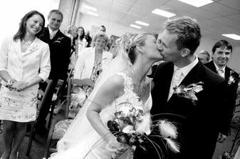 první polibek-tedy novomanželský:o)