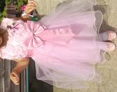 Slavnostní šaty, 110