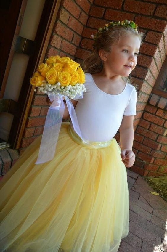 Prvotní inspirace - Malé družičky se žlutou tutu sukýnkou a dospělé družičky s fialovou tutu sukýnkou