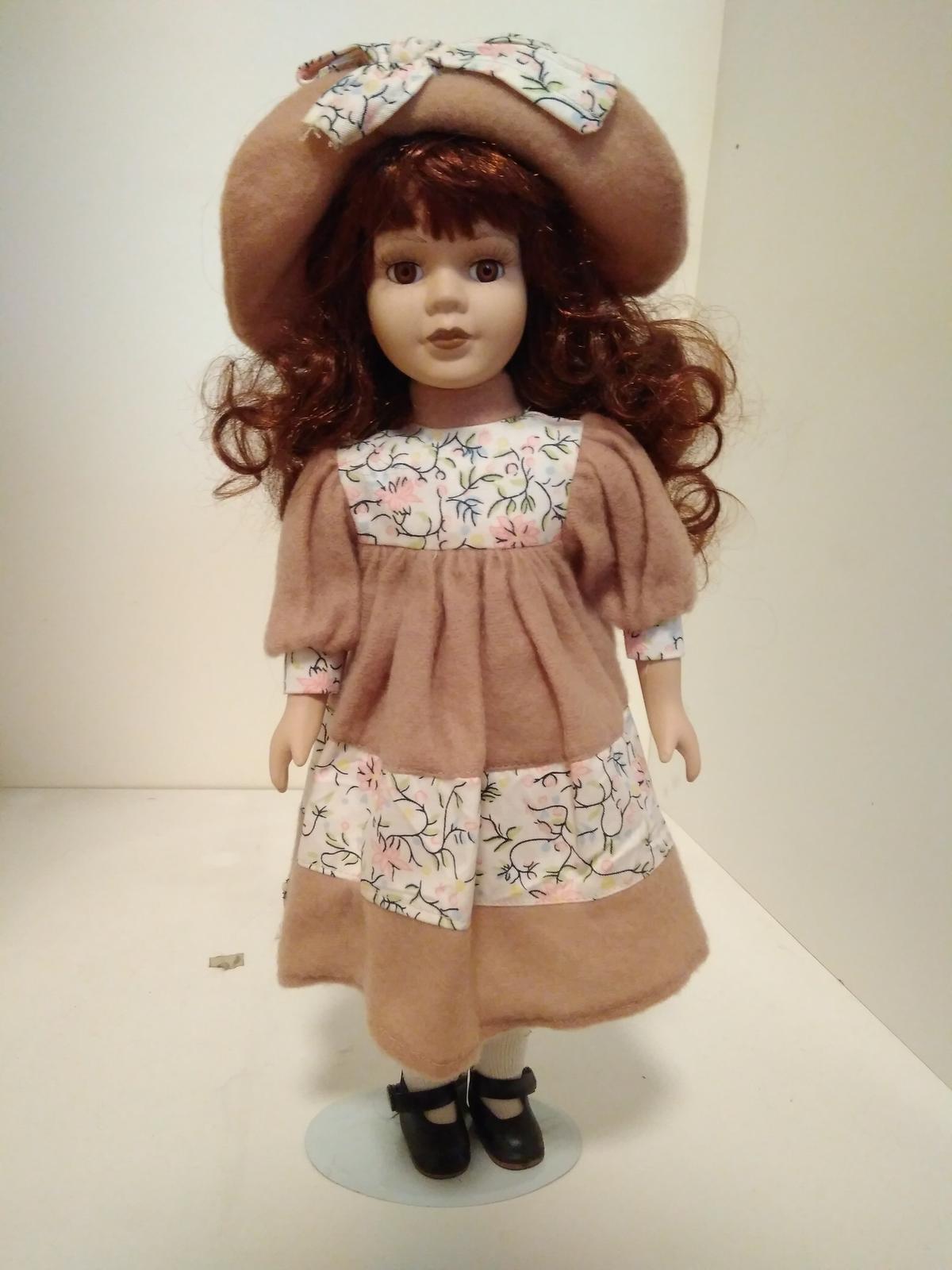 Ahojte, ponukam porcelanovu babiku... - Obrázok č. 1
