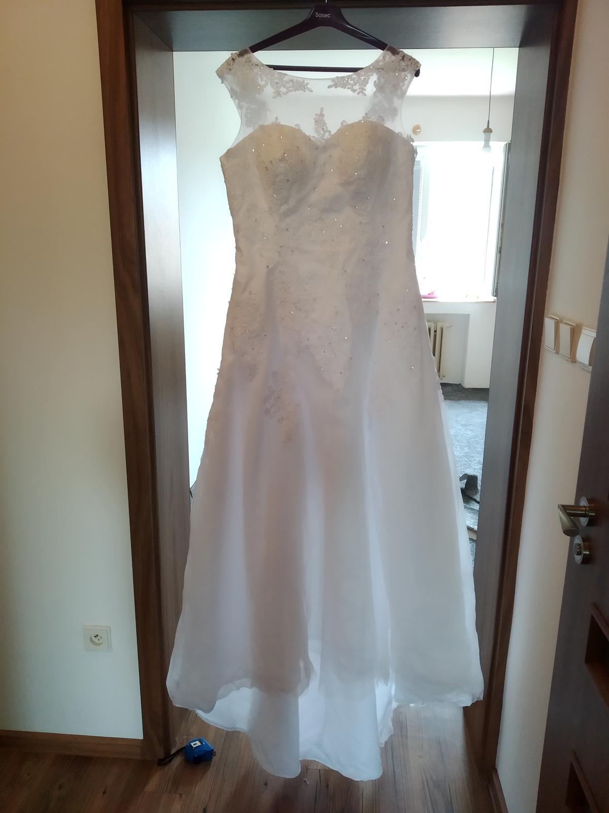 Bílé svatební šaty  - Obrázek č. 3