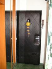 vchodové dvere v chodbe, s rolldorom a nádstavbou