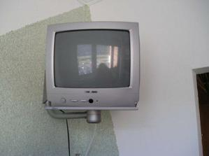 no a malý TV nesmie chýbať, podporujeme Slovenskú výrobu :-)