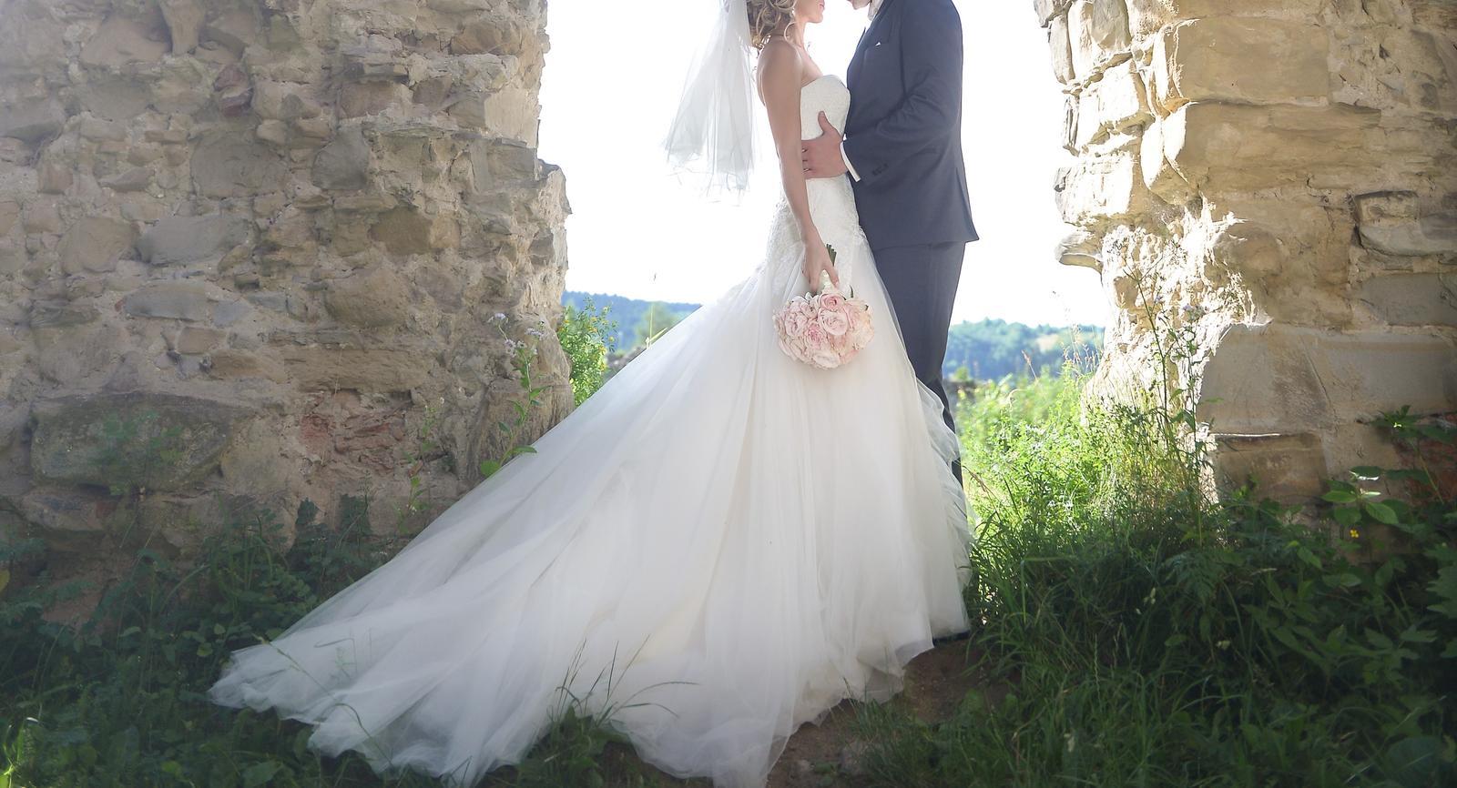 Svadobná šaty z WEM salónu - Obrázok č. 2
