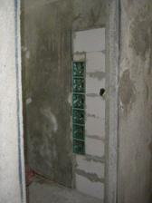 1 marec zamurovane dvere medzi chodbou a kuchynou