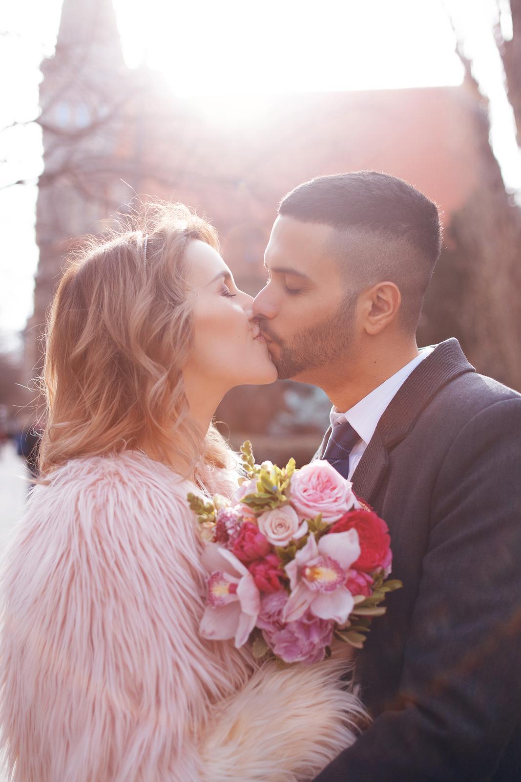 Váší svatební fotografka