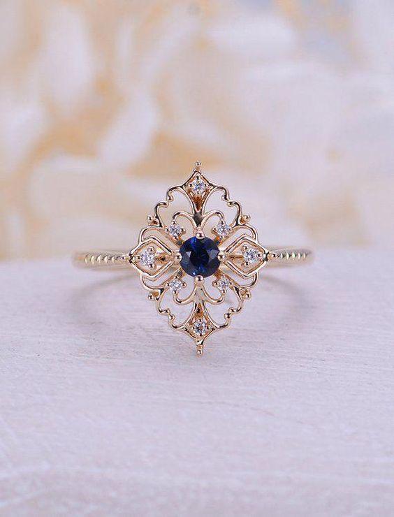 Zaujímavý snubný prsteň však? ♥ Máte aj vy netradičný klenot na svojej ruke? Zdroj foto: Pinterest - stairbased_top - Obrázok č. 1